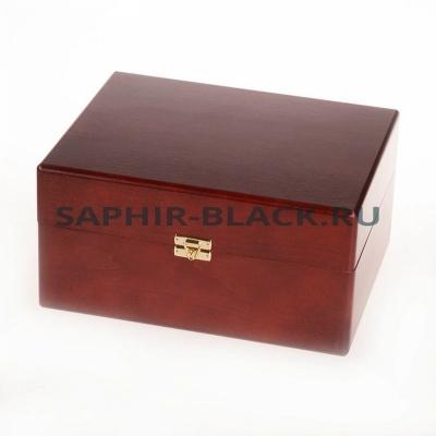 Деревянный короб-шкатулка с набором средств SAPHIR и аксессуаров для уходу за обувью
